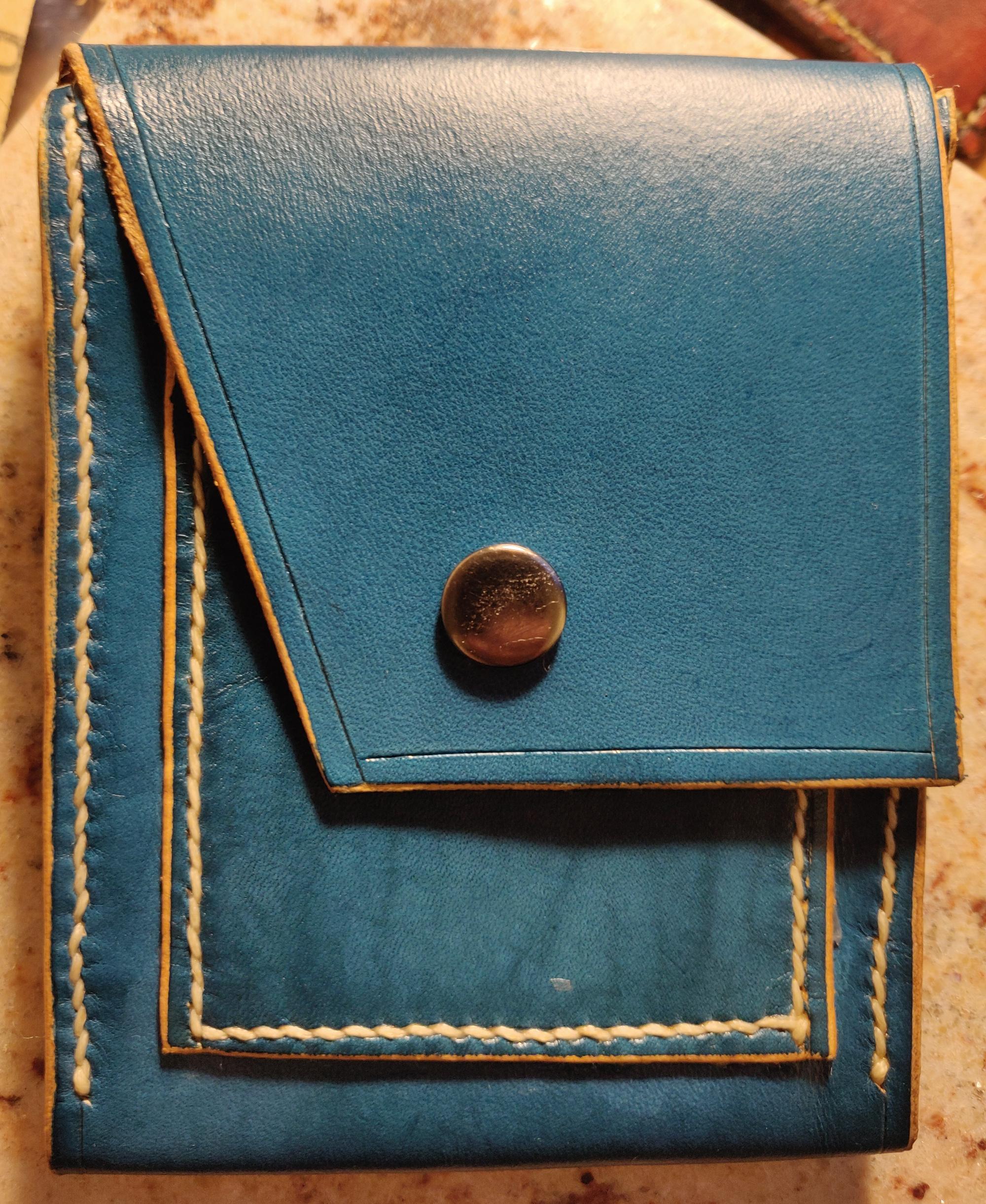 Portefeuille en cuir bleu avec porte-monnaie